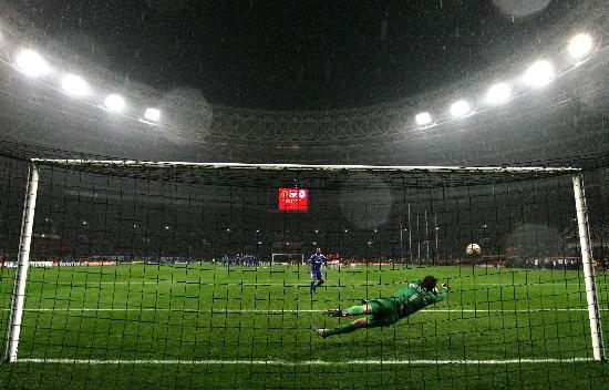 图文-[欧冠]曼联7-6切尔西阿内尔卡点球被扑出