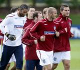 图文-英格兰队集结备战热身赛小贝重返国家队