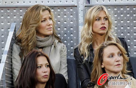 图文-马科斯女友观战马德里大师赛享受网球的盛宴