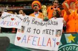 打着标语的荷兰球迷
