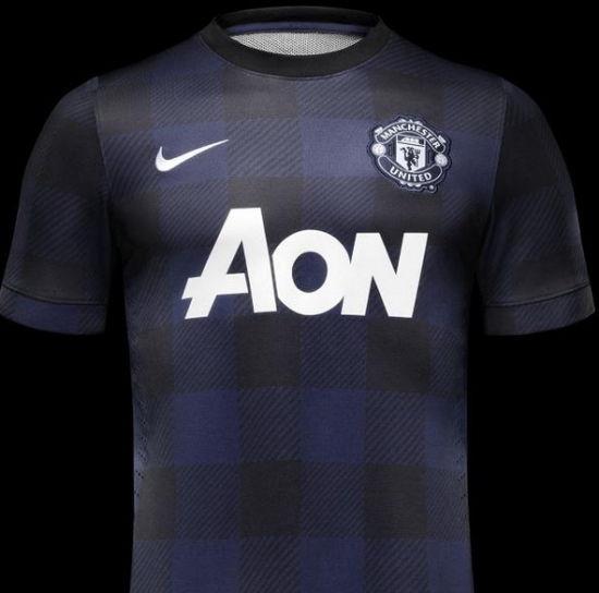 曼联的蓝黑客场球衣