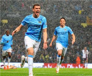 英超-哲科两球曼城4-0登顶超利物浦2分夺冠在望