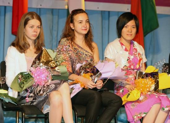 图文-国际象棋女子世界冠军蒙古国站本站前三名