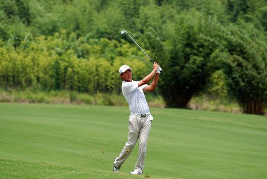 李超决赛轮抓鸟射鹰成领先榜前四唯一中国选手