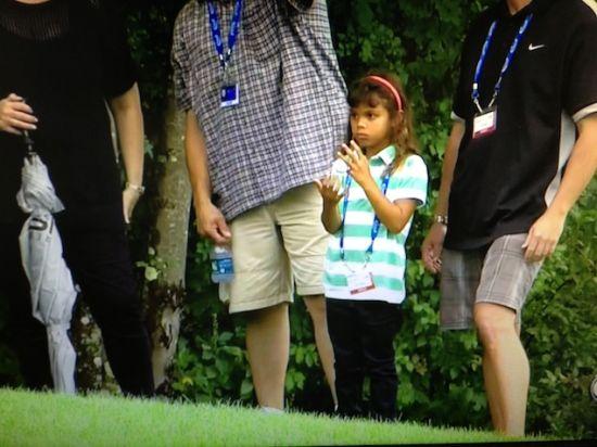 伍兹女儿萨姆现场观看其比赛。