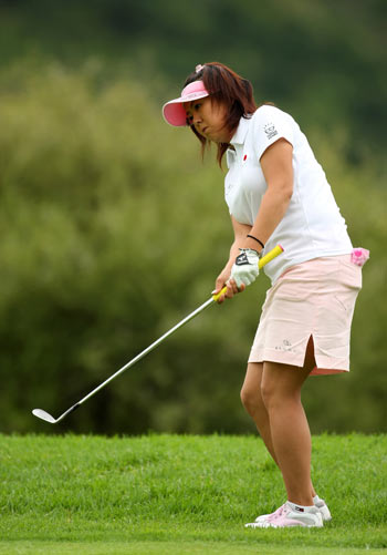 图文-女子高尔夫世界杯次轮日本选手佐伯三贵