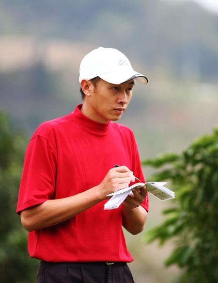 图文-欧米茄中巡赛广州锦标赛第二轮许孟男