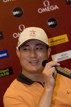 图文-昆明锦标赛赛前发布会卫冕冠军郑文根