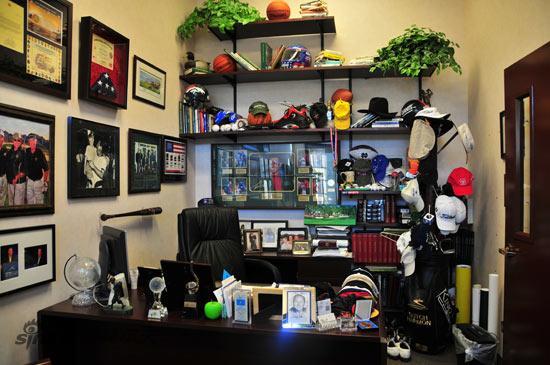 图文-美西高尔夫考察团哈蒙的办公桌