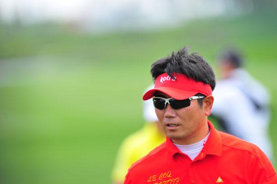 图文-VOLVO中国公开赛第三轮梁容银领先进决赛