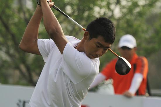 图文-汇丰青少年冠军赛首轮王子豪