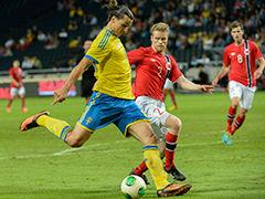视频集锦-伊布帽子戏法老将世界波 瑞典4-2挪威