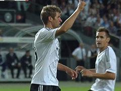 进球视频-穆勒施梅尔策心有灵犀 完美反越位破门
