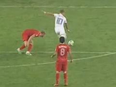 进球视频-荷兰前场配合赏心悦目 斯内德低射破门