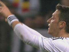 进球视频-厄齐尔冷静抽射破门 德国队半场前扳回一球