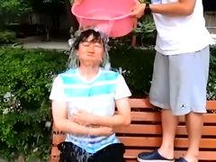 韩围棋冠军挑战冰桶