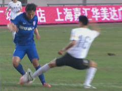 视频-邓卓翔内切连续突破 1v4奔袭险复制破韩神球