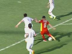 视频-贝切莱拿球内切连过两人 突施冷箭险破门