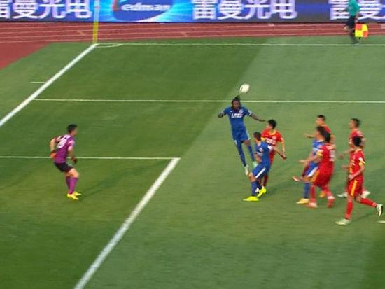 进球视频-申鑫任意高空轰炸 丹尼尔头槌扳回一城