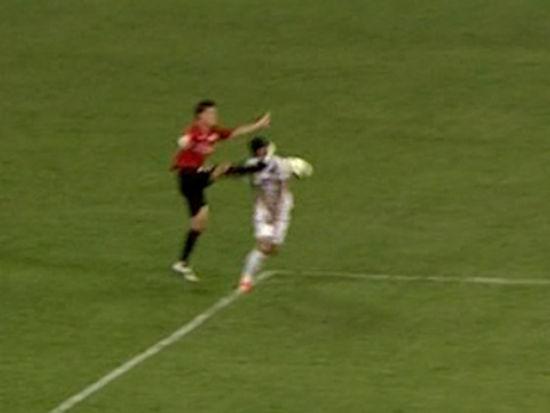 进球视频-武磊面门被踢造点 孔卡操刀扩大比分