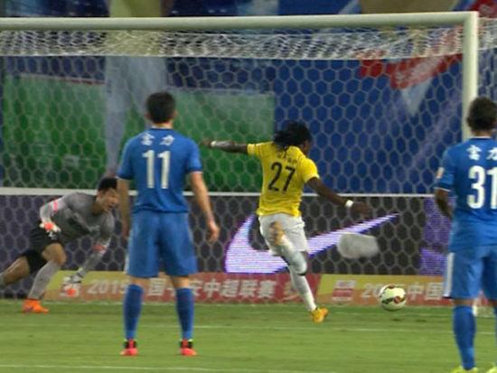进球视频-吴毅臻抢点被扑 丹尼尔补射破富力