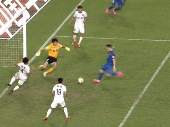 进球视频-两中门柱戏耍后卫 卡尔坦森补射扳平
