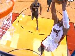 NBA视频-21日官方最佳扣篮 热火三点连线助飞韦德