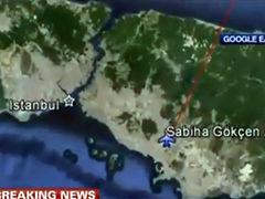 视频-乘客疑持炸弹欲劫机飞索契 F-16紧急逼停
