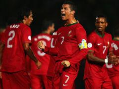 视频集锦-C罗头槌双响+任意球爆射 葡萄牙大逆转