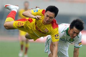 陕西0-0北京 曲波击中横梁