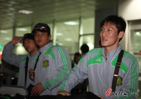 国安抵达韩国下达封口令媒体采访须向教练组请示