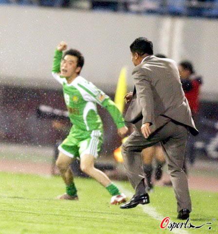 李章洙:足球比赛有时像打架 我们是带着6分回