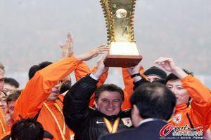 武汉卓尔董事长宣布图拔任主帅曾执教鲁能夺五冠