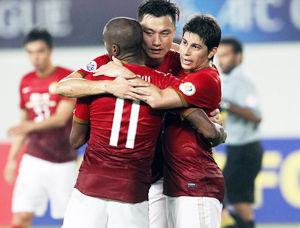 亚冠-郜林传射穆里奇孔卡破门恒大总分5-1进8强