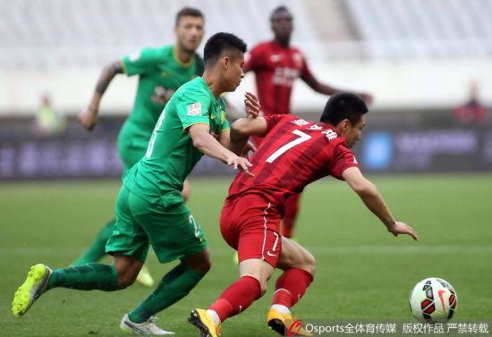 武磊在场上依旧很拼,但进球荒仍在继续