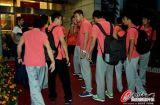 集体抵达广州机场