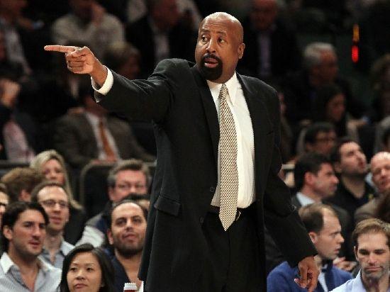北京时间3月19日,据《纽约邮报》报道,尼克斯临时教练迈克-伍德森上任