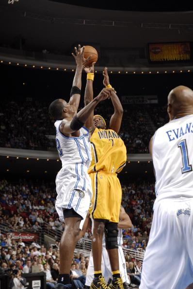 图文-[NBA]步行者115-109魔术小奥尼尔轻松出手