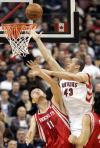 图文-[NBA]火箭vs猛龙汉弗里斯力压姚明上篮