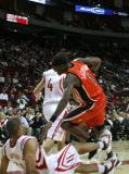 图文-[NBA常规赛]勇士vs火箭巴蒂尔翻身倒地