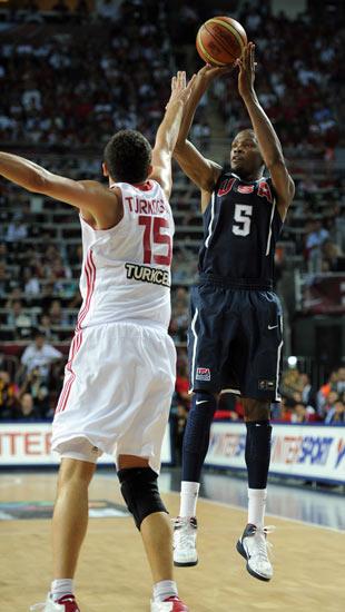图文-[世锦赛]土耳其64-81美国 看我精准跳投