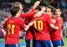 欧洲杯-哈维2传导演完胜西班牙4-0意大利首连冠