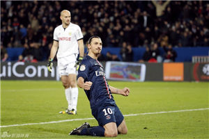 法甲-伊布梅开二度巴黎2-1逆转胜暂超马赛领跑