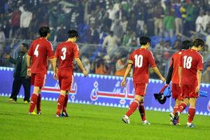 亚预赛-两低级失误酿丢球国足首战客场1-2负沙特