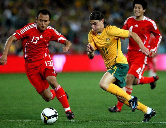 图文-[世预赛]澳大利亚0-1中国队徐云龙向对手施压