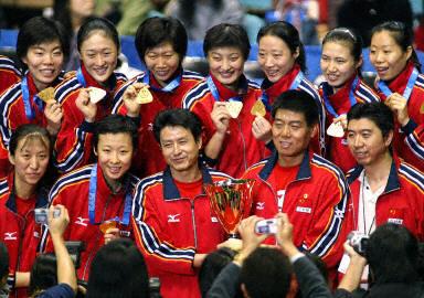 2003年世界杯中国女排再折桂
