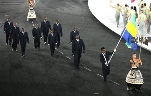 资料图-雅典奥运会开幕式 非洲加蓬代表团入场