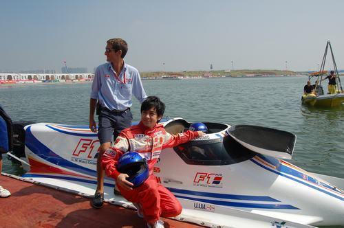林志颖以舞台剧迎新年力争十月代表中国出征F1