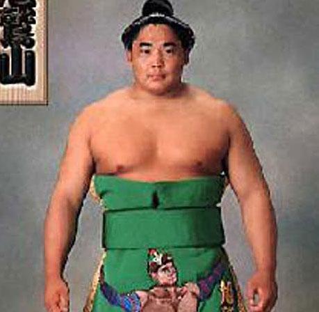 2010年首届武搏会相扑联合会形象大使-旭��山�N