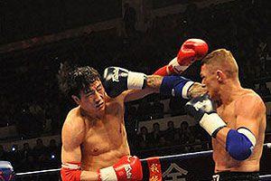 两悍将被KO张开印完胜定胜局中国散打3比2泰拳
